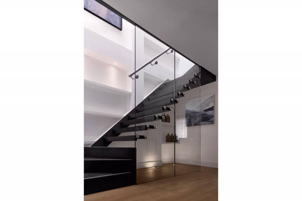 34-36 Bruton Street Resi Stair