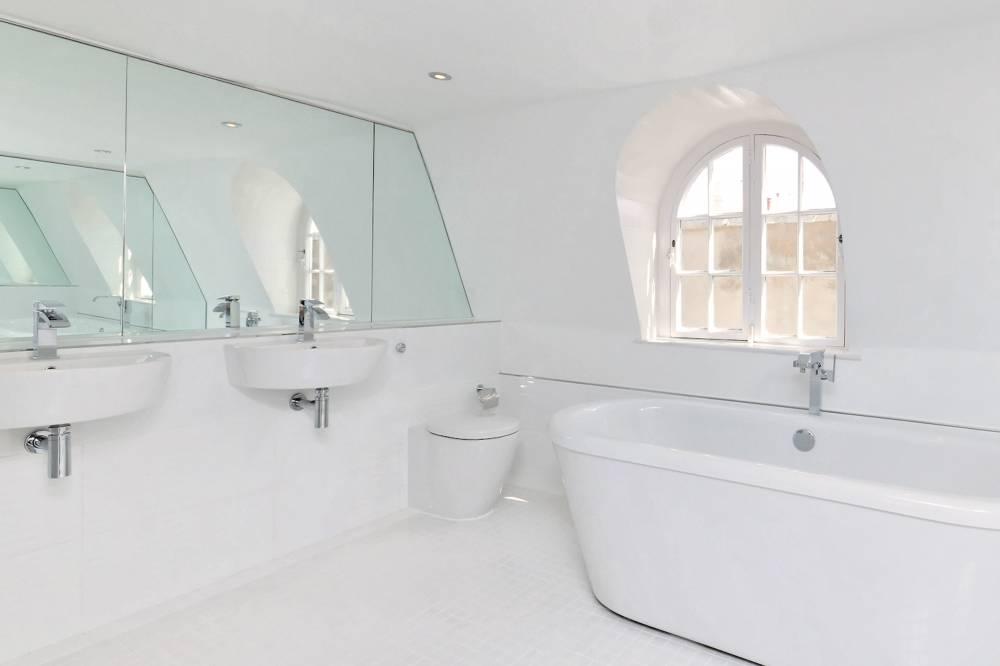 5a Nelson Road Bathroom