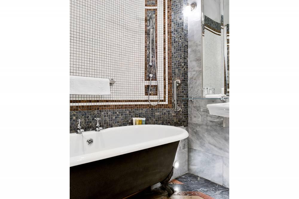 Savile Club Bathroom