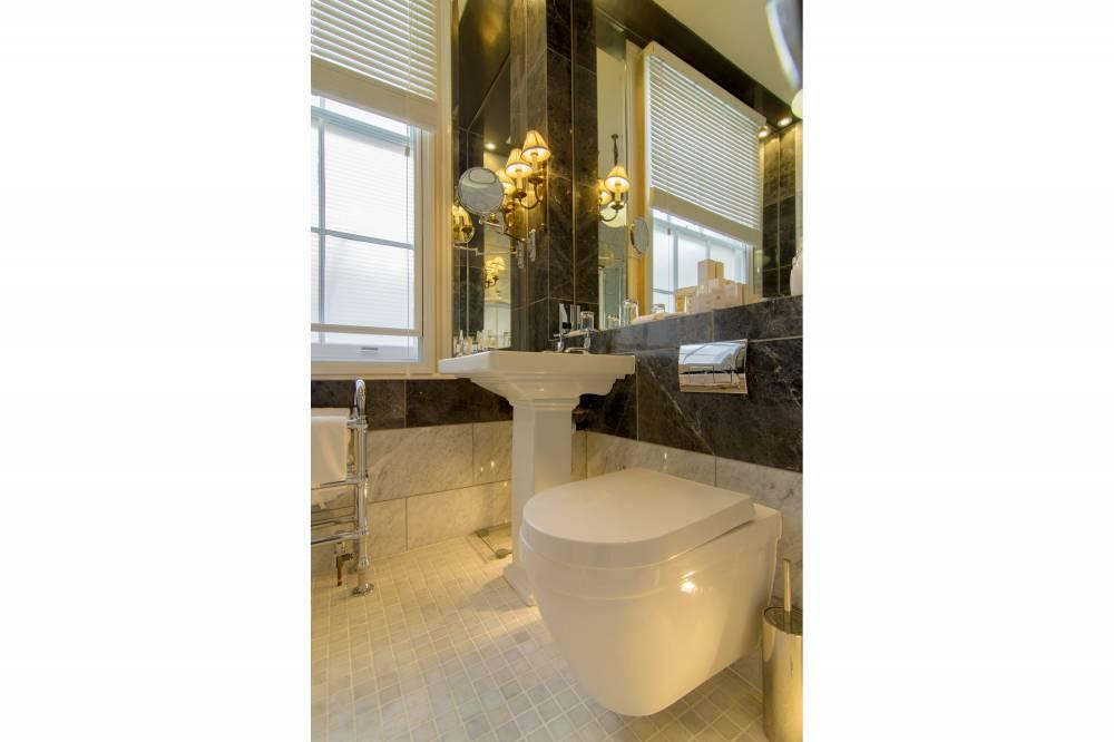 Savile Club Mews Bathroom