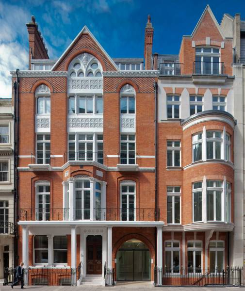 8 Stratton Street